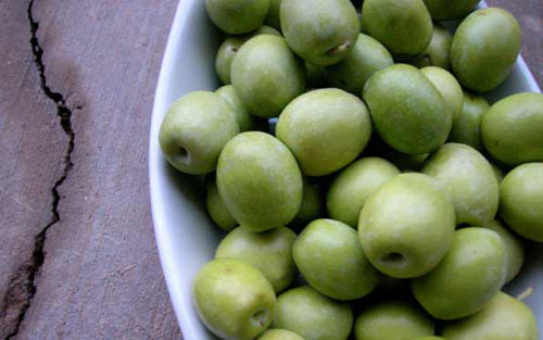 Raw Olives for Curing